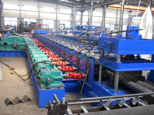 2 Waves High Speed Highway Guardrail Roll Forming Machine / Cold Roll Former 3P 380V 50Hz Export to Macedonia