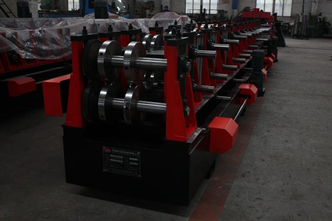 C Z Purlin Interchangeable Steel Rolling Machine / Metal Roll Forming Machine In Warehouse Building