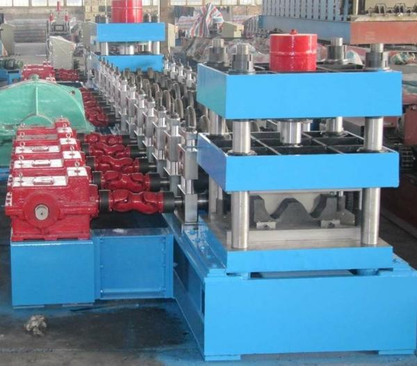 Freeway Guardrail Cold Forming Machine Use Gimble Gear Reducer with Hydraulic Punching Holes System and Cutting Method