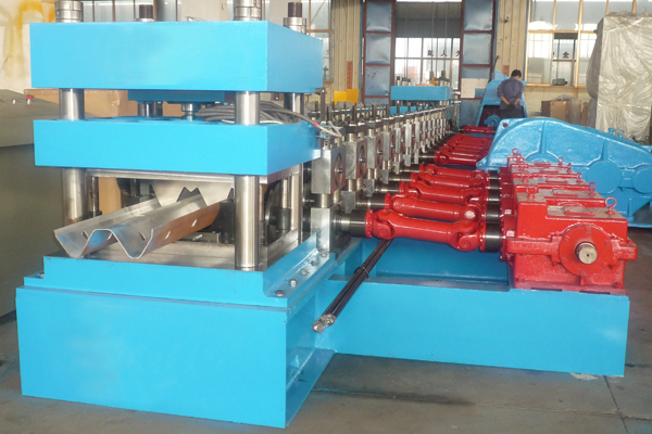Factory Cheap Price Hot Selling Machine Europe W Beam Guardrail Roll Forming Machine Highway Crash Barrier